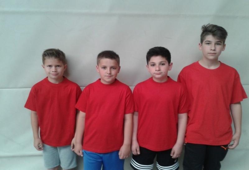 Die B- Schüler Philipp, Jonathan, Lewon und Alexandru von links